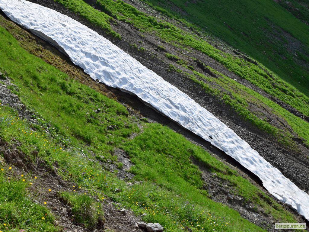 Schneefeld in Fagstein-Südflanke