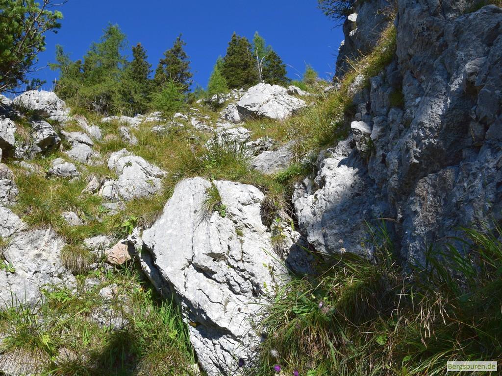 Felsige Steilstufe beim Abstieg vom Gotzentauern
