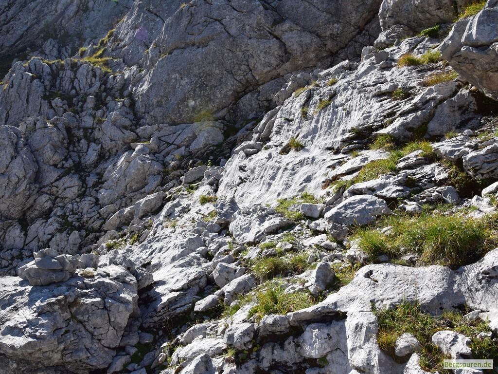 Felsige Steilstufe beim Aufstieg zum Hochsäul