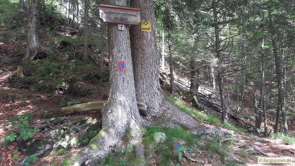 Holzschild Jochberger Schulweg