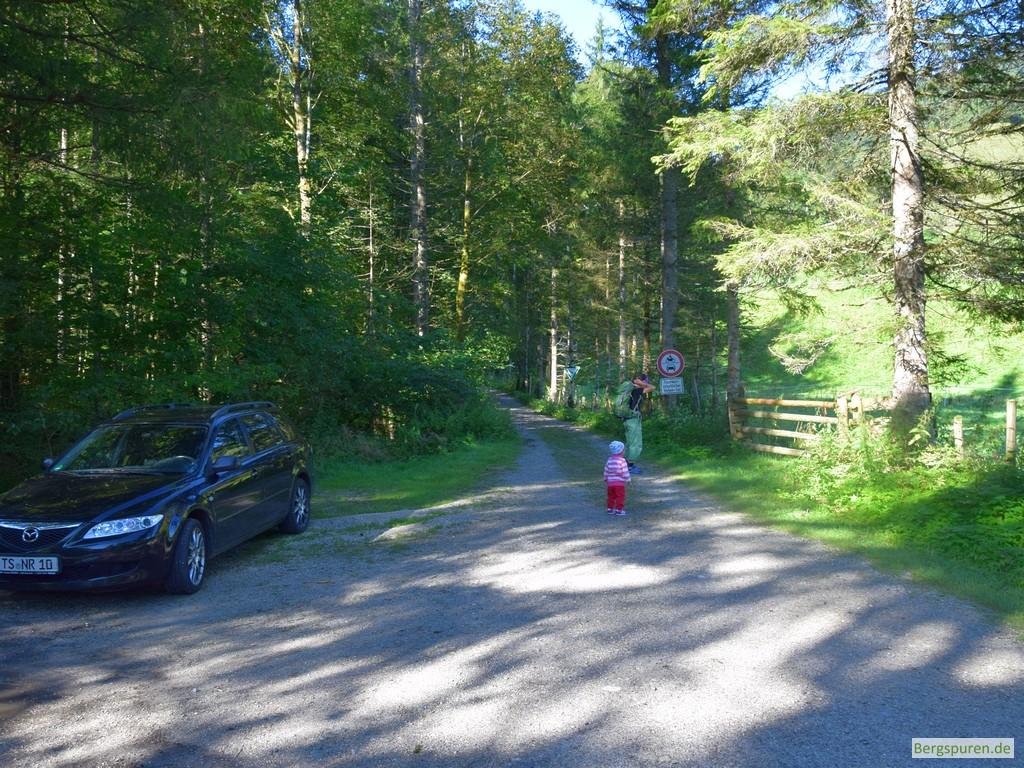 Parkplatz am Litzlbach - Ausgangspunkt für die Kraxentour zur Reiteralm