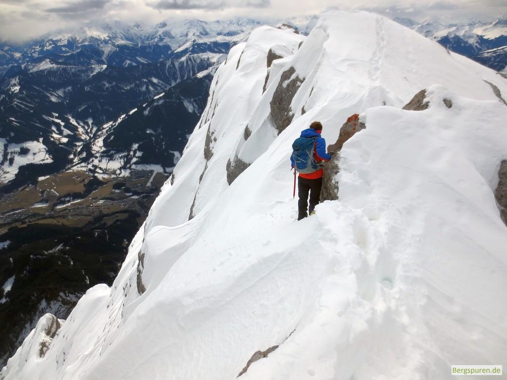 Ausgesetzter Schneegrat am Birnhorn in den Leoganger Steinbergen
