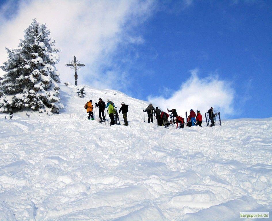 Skitourengeher am Gipfel des Peitingköpfls